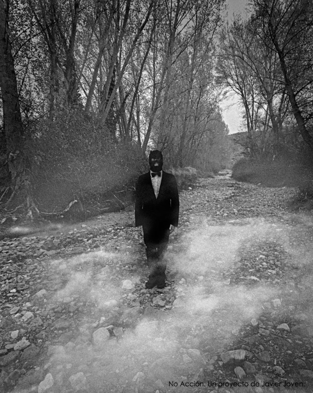 """JAVIER JOVEN, """"De la ligereza"""", fotografía digital, 49x39 cm."""